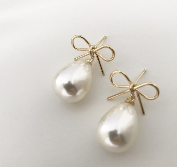 Ohrring bow pearl