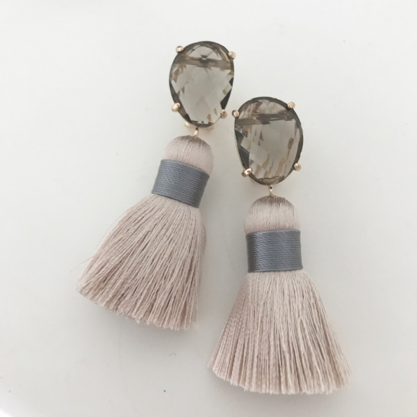 Tassel-Ohrringe nude